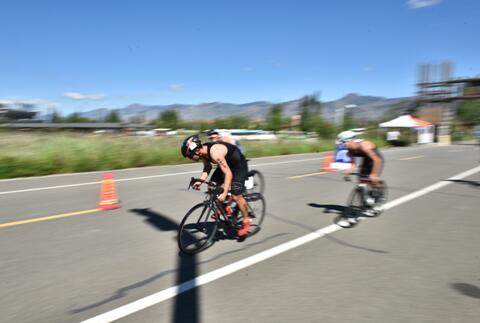 自行车竞速.jpg